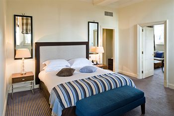 king-size-bed-room-balmoral-hotel.jpg